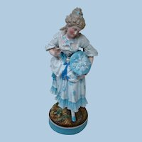 15 In. Beautiful Victorian Figural Lady in Glazed Porcelain China, Gilt Accents