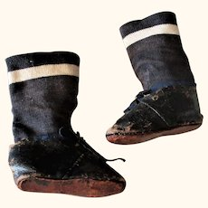 Narrow 19th Century 3.5 Inch  Glazed Brown Kid Flat Tie Shoes & Stockings for Greiner  or China