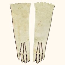 "19th Century 4.25 "" Long Cream Kid Fashion Doll Gloves Scalloped Edge"