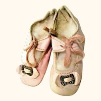 2.5 Inch Size 5 Pale Pink Kid Tie Shoes w Toe Ornaments