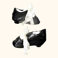 """2 & 5/8"""" Patent Finished Oil Cloth Tie Doll Shoes French Heels"""