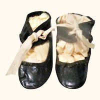 3 Inch Size 6 Patent Finished Oil Cloth Tie Doll Shoes