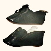 """Size 6 Black Patent Finished 2.75"""" Oil Cloth Shoes for German Doll"""