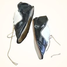3.5 Inch Size 8 Black Patent and White Kid Tie Shoes