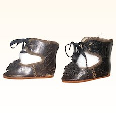 2.25 Inch Size 5 Black Jules Steiner Shoes original Ties and Toe Ornament One Has Wear