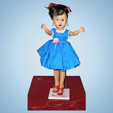 10 Inch 1964 Miss Ginger Swivel Waist Nice Face Color Original Hair Set Earring Costume Box and Stand