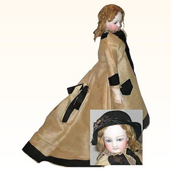 18 Inch French Fashion Pale Pressed Bisque Bee Stung Lips Ball Tenon Shoulder and Elbow Joints Bisque Lower Arms