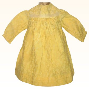 19th Century Citron Linen 11 Inch Doll Dress