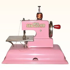 1940's Peppermint Pink KAYanEE SEW MASTER Toy Sewing Machine