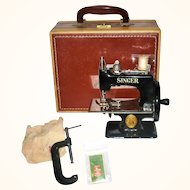 Old Singer Sewhandy 20-10 Miniature Sewing Machine Black Enamel wit Carry Case and Clamp