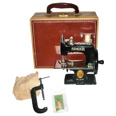 Old Singer Sewhandy 20-10 Miniature Sewing Machine Black Enamel with Carry Case and Clamp