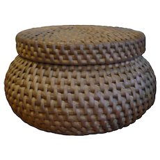 Old Native American Tight Woven Willow Lidded Bowl or Seed Basket