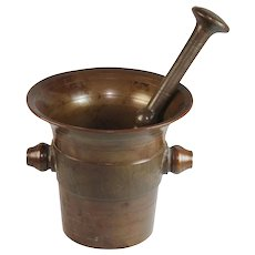 Beautiful antique bronze mortar and pestle, great patina