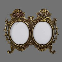 Antique Gilded Double Shell Top Photo Frame
