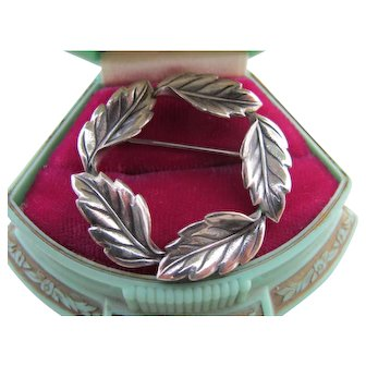 Perfect Vintage Autumn Leaf Wreath Pin Beau Sterling Silver