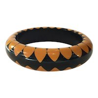 Black and Cream Art Deco Geometric Bakelite Gumdrop Random Dot Bangle Bracelet