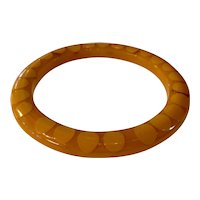 Art Deco Bakelite Butterscotch Cream Narrow Random Dot Bangle Bracelet