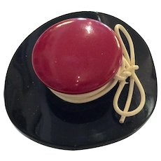 1930s Art Deco Red Black Figural Bakelite Hat Brooch Pin