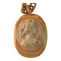 1930s Cream Bakelite and Celluloid Cameo Pendant Necklace