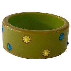 1940s Green Bakelite Polka Dot Bangle Bracelet with Plastic Flower Dot Inserts