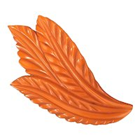 1930s Art Deco Butterscotch Bakelite Large Detail Carved Leaf Brooch Pin