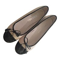 Chanel Black and White Faux Fur and Patent Leather Size 37 Ballet Flats Shoes