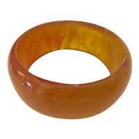 1930s Art Deco Translucent  Apple Cider Bakelite Smooth Marbelized Bangle Bracelet