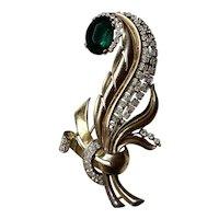 1940s Retro Modern TRIFARI Fur Clip Tri-color Metalwork with Faux Emerald Large Stone