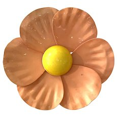 1960s POP Enamelled Metal Flower Power Pin Brooch in Peach and Yellow