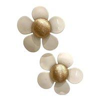 1960s Sarah Coventry Flower Power Plasticized Metal Clip Earrings in White