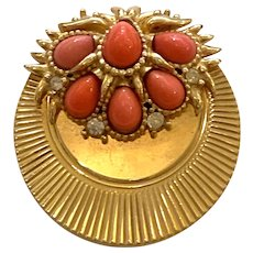 Classic 1950s BOUCHER Goldtone Pleated Coral Cabochon Circular Brooch Pin