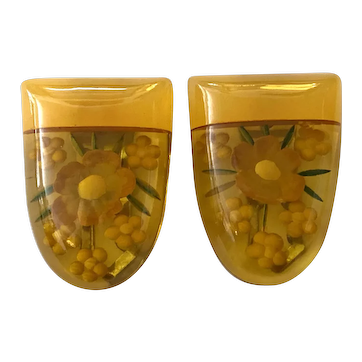 1930s Art Deco Apple Juice Butterscotch Bakelite Laminated  Reverse Carved and Painted Dress Clips (2)