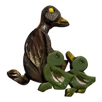 1930s Wood and Bakelite Mama Duck with Ducklings Brooch Pin