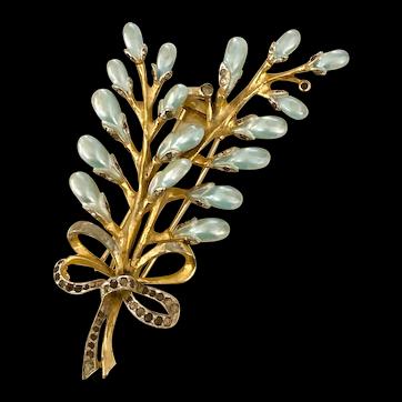 1940s DeRosa Pearl Teardrop Floral Dress Clip