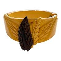 Cream/Wood 1930s Carved Bakelite Leaves Hinged Bracelet