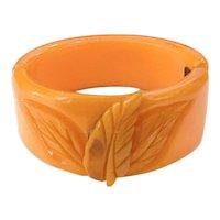 Tangerine Peach 1930s Carved Bakelite Leaves Hinged Bracelet