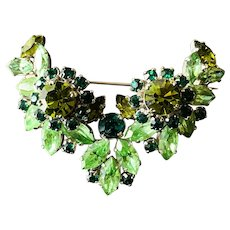 1950s Made in AUSTRIA Luscious Faux Emerald Citrine GREEN Brooch Pin