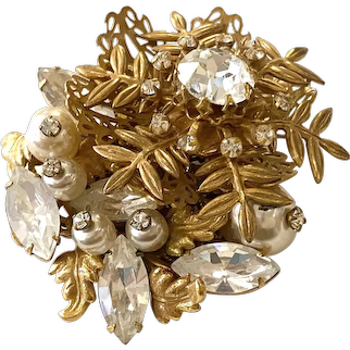 Amourelle Haskell-style Rhinestone and Goldtone Filigree Floral Burst Pin Brooch