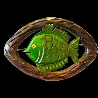 1930s Art Deco Wood and Green Bakelite Fish Brooch Pin