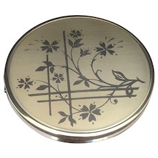 Vintage Melissa Powder Compact. Gold Tone Metal with Floral Leaf Design