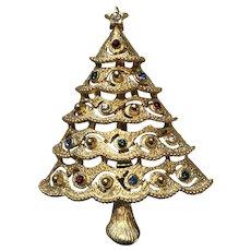 Vintage JJ Jonette Scalloped Rhinestone & Goldtone Christmas Tree Brooch Pin