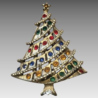 Vintage Unsigned Tiered Christmas Tree Brooch Pin