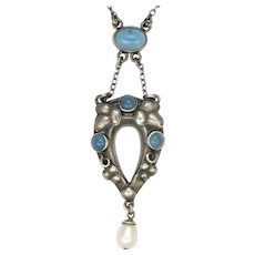 English Arts and Crafts Silver and Blue Chalcedony Agate Necklace
