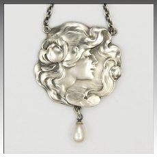 Art Nouveau 935 Silver and Pearls Lady Necklace