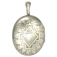 English Victorian 1880 Large Sterling Silver Locket with Ivy Leaves