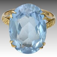 English 1970  9K Gold and Spinel Gemstone Ring