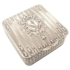 French Nineteenth Century Trinket or  Pill Box