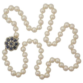 Cultured Pearl Necklace with 9K Gold sapphire and Diamond Clasp