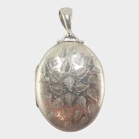 English Victorian 1881 Engraved Sterling Silver Locket