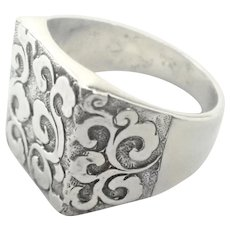 European Early 20th Century 800 Silver Signet Ring
